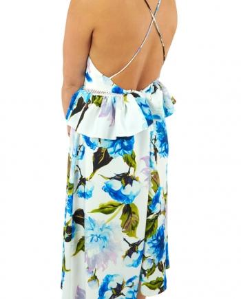 Modelo con vestido midi Camila