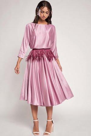 Vestido malva midi con falda capa, escote barco y manga japonesa